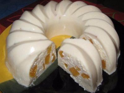 Ленивый кекс с персиками
