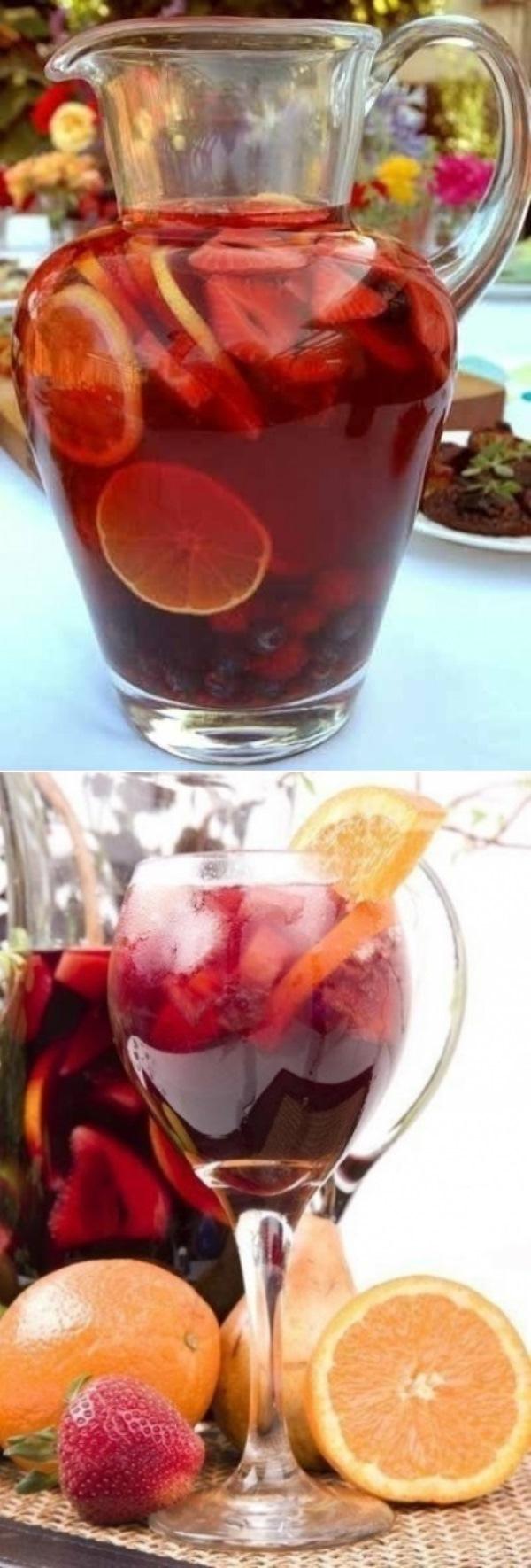 Сангрия (Sangria)  Самый популярный, разве что после пива и вина, напиток в Испании. Приготовленная правильно сангрия, не имеет ничего общего с синтетической покупной.