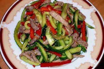 Салат из огурцов и мяса — рецепт, который переходит из поколения в поколение