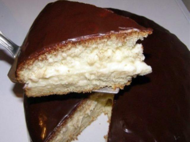 """Очень вкусный тортик """"Чародейка"""" делается быстро, порадуйте близких на выходных."""