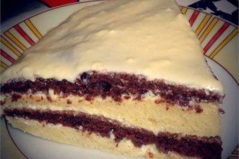 Такой рецепт должен быть у каждой хозяйки — лёгкий и вкусный тортик на кефире.
