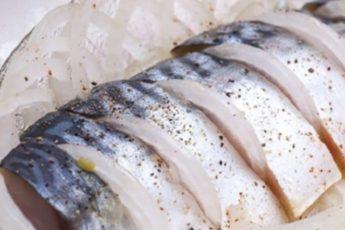 Вкуснейшая скумбрия домашней засолки-очень простой рецепт!