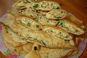 Конвертики из блинов с сыром и зеленью — рецепт, который всегда выручает!