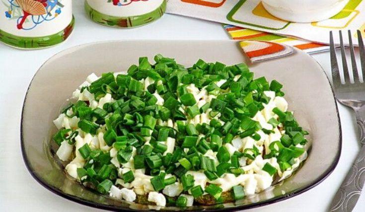 Закуска из кабачков, яиц и зелёного лука за 25 минут