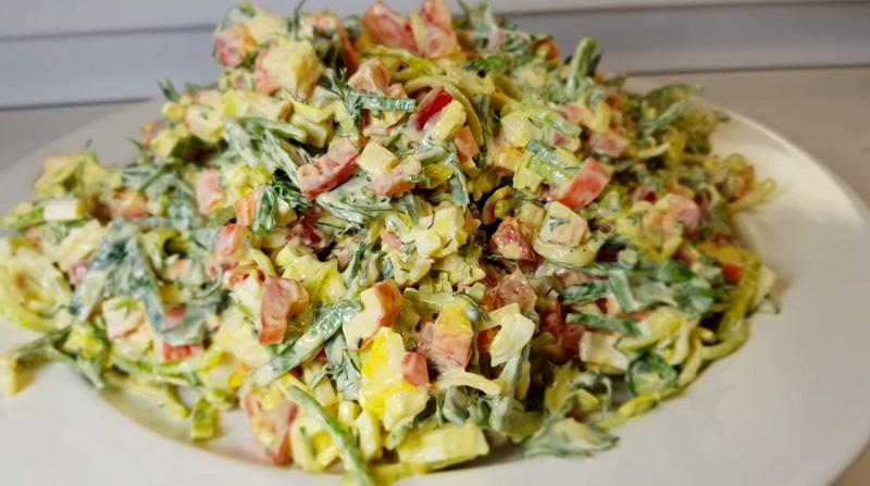 Бесподобный вкусный салат уже переплюнул шубу и оливье! Непередaвaемый вкус!