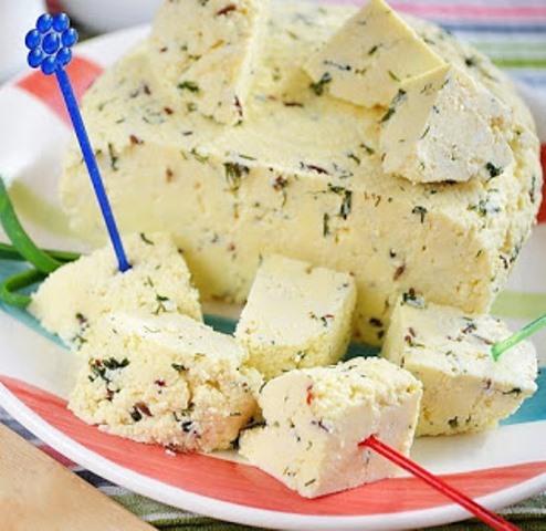 Домашний сыр - в миллион раз вкуснее, полезнее магазинного