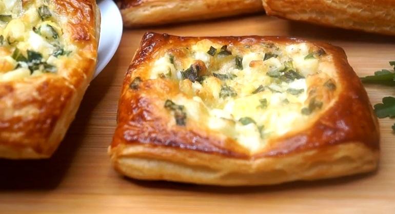 Ленивые пирожки с зеленым луком и яйцами: неимоверная вкуснятина
