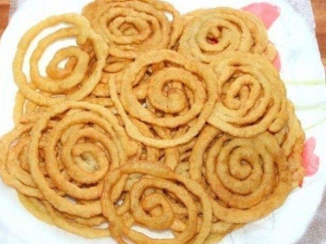 Обалденная индийская сладость «Джалеби» — невероятно вкусная и простая в приготовлении.