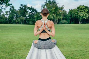 Александр Дроженников: «Это упражнение обязательно поможет тем, у кого свисает живот, опущен желудок…» 1