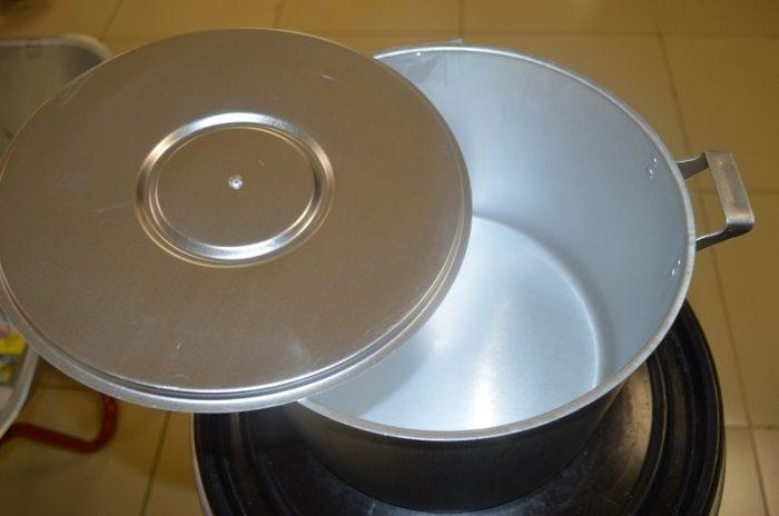 Бабушкин способ отдраить алюминиевую посуду, после которого она будет сиять как новая 5